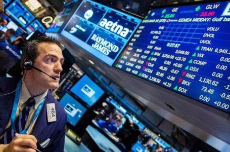 Las acciones argentinas caen hasta 7% en el exterior y sube el riesgo país
