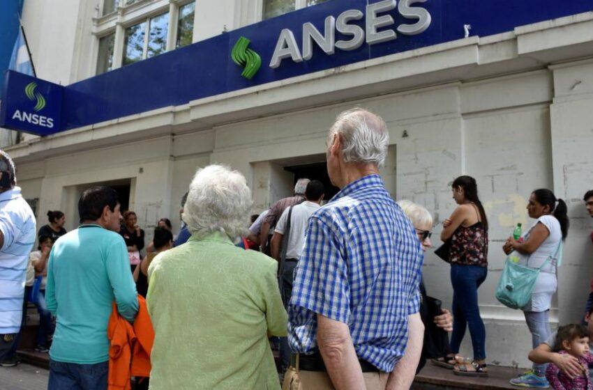 Jubilaciones: declaran inconstitucional los aumentos por decreto