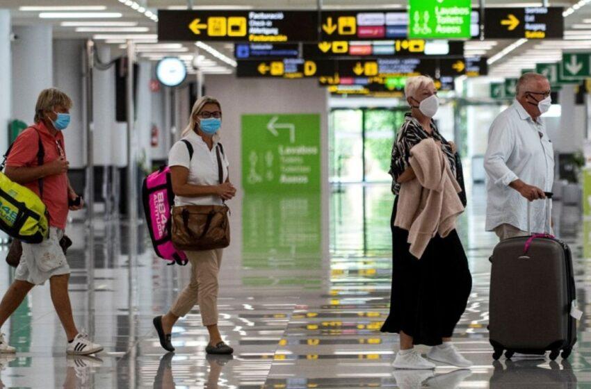 Los pasajeros que arriben a EEUU deberán hacer una cuarentena al llegar