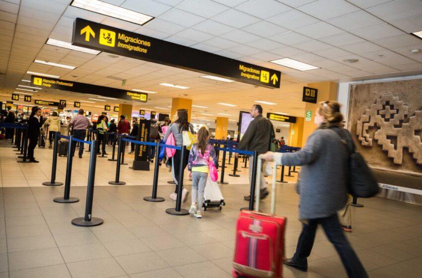 El Gobierno derogó el decreto de Macri que impedía el ingreso de extranjeros con antecedentes al país