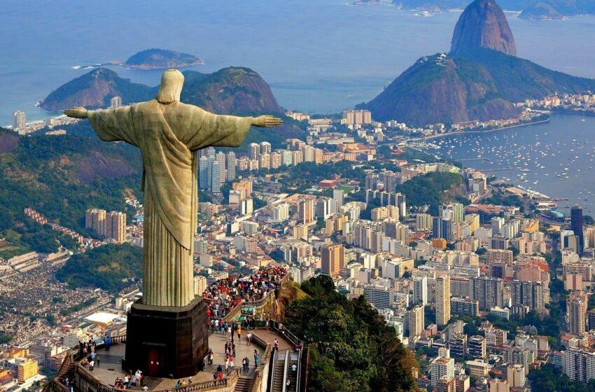 Río de Janeiro cierra sus playas y anuncia toque de queda