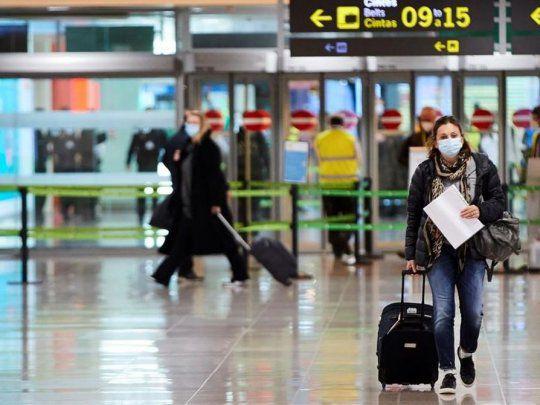 Las personas vacunadas en el exterior obtendrán la constancia del Ministerio de Salud